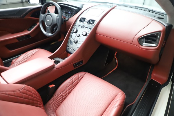 Used 2018 Aston Martin Vanquish S Volante for sale $183,900 at Rolls-Royce Motor Cars Greenwich in Greenwich CT 06830 19