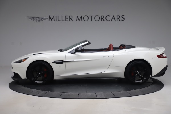 Used 2018 Aston Martin Vanquish S Volante for sale $183,900 at Rolls-Royce Motor Cars Greenwich in Greenwich CT 06830 2