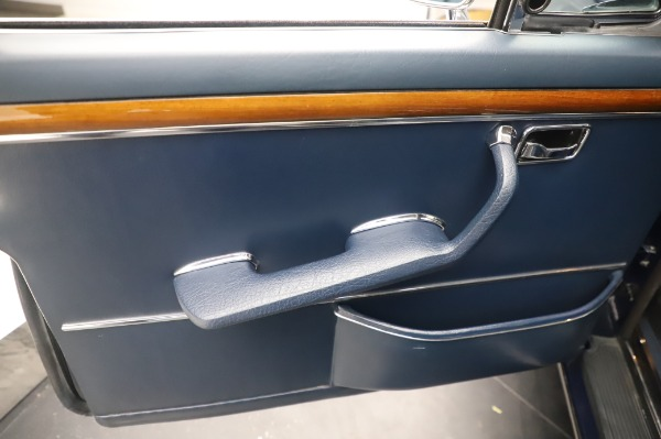 Used 1971 Mercedes-Benz 300 SEL 6.3 for sale $117,000 at Rolls-Royce Motor Cars Greenwich in Greenwich CT 06830 19
