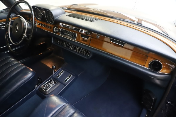 Used 1971 Mercedes-Benz 300 SEL 6.3 for sale $117,000 at Rolls-Royce Motor Cars Greenwich in Greenwich CT 06830 22