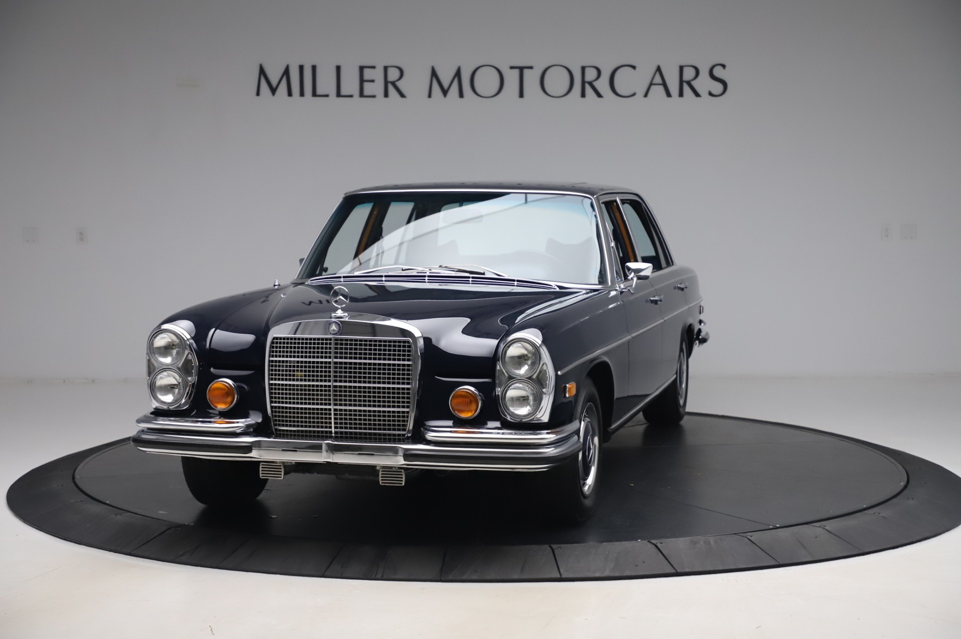Used 1971 Mercedes-Benz 300 SEL 6.3 for sale $117,000 at Rolls-Royce Motor Cars Greenwich in Greenwich CT 06830 1