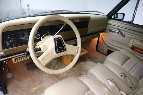 Used 1991 Jeep Grand Wagoneer for sale $89,900 at Rolls-Royce Motor Cars Greenwich in Greenwich CT 06830 12