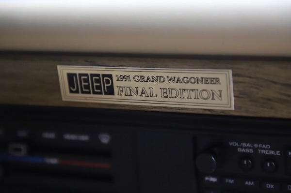Used 1991 Jeep Grand Wagoneer for sale $89,900 at Rolls-Royce Motor Cars Greenwich in Greenwich CT 06830 24