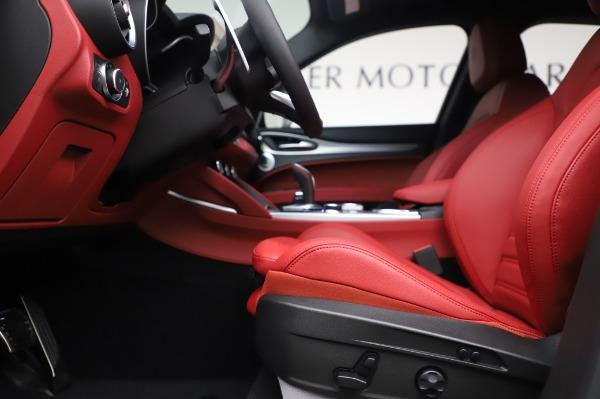 New 2020 Alfa Romeo Stelvio Ti Sport Q4 for sale $53,545 at Rolls-Royce Motor Cars Greenwich in Greenwich CT 06830 14
