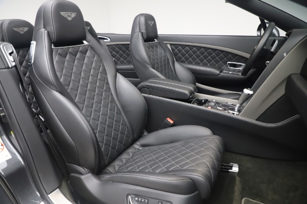 Used 2016 Bentley Continental GTC Speed for sale $146,900 at Rolls-Royce Motor Cars Greenwich in Greenwich CT 06830 25