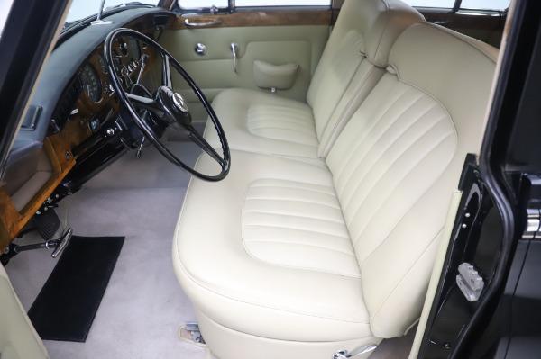 Used 1965 Rolls-Royce Silver Cloud III for sale $99,900 at Rolls-Royce Motor Cars Greenwich in Greenwich CT 06830 16