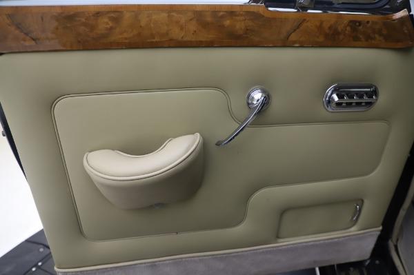 Used 1965 Rolls-Royce Silver Cloud III for sale $99,900 at Rolls-Royce Motor Cars Greenwich in Greenwich CT 06830 17