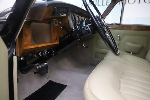 Used 1965 Rolls-Royce Silver Cloud III for sale $99,900 at Rolls-Royce Motor Cars Greenwich in Greenwich CT 06830 18