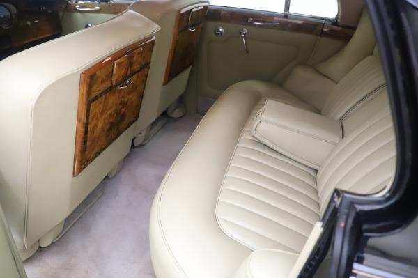 Used 1965 Rolls-Royce Silver Cloud III for sale $99,900 at Rolls-Royce Motor Cars Greenwich in Greenwich CT 06830 19