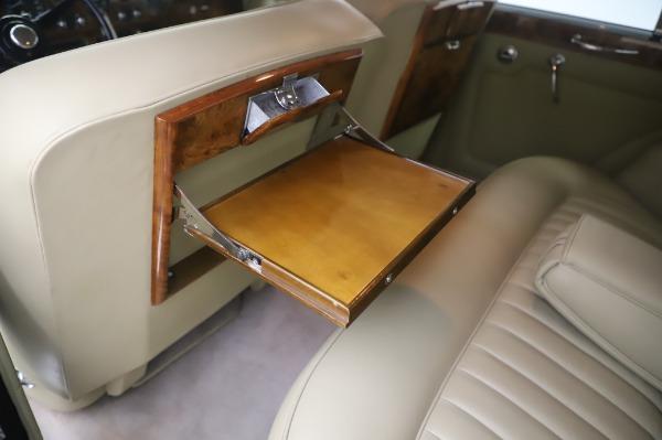 Used 1965 Rolls-Royce Silver Cloud III for sale $99,900 at Rolls-Royce Motor Cars Greenwich in Greenwich CT 06830 20