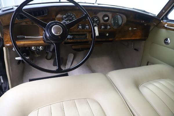 Used 1965 Rolls-Royce Silver Cloud III for sale $99,900 at Rolls-Royce Motor Cars Greenwich in Greenwich CT 06830 21