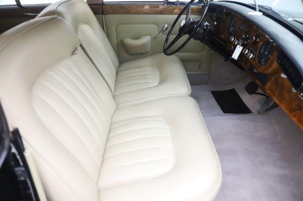 Used 1965 Rolls-Royce Silver Cloud III for sale $99,900 at Rolls-Royce Motor Cars Greenwich in Greenwich CT 06830 24