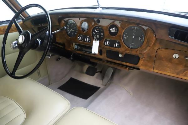 Used 1965 Rolls-Royce Silver Cloud III for sale $99,900 at Rolls-Royce Motor Cars Greenwich in Greenwich CT 06830 25