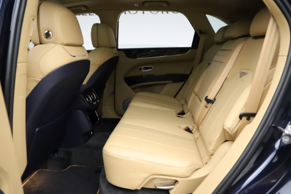 New 2021 Bentley Bentayga V8 for sale Sold at Rolls-Royce Motor Cars Greenwich in Greenwich CT 06830 21