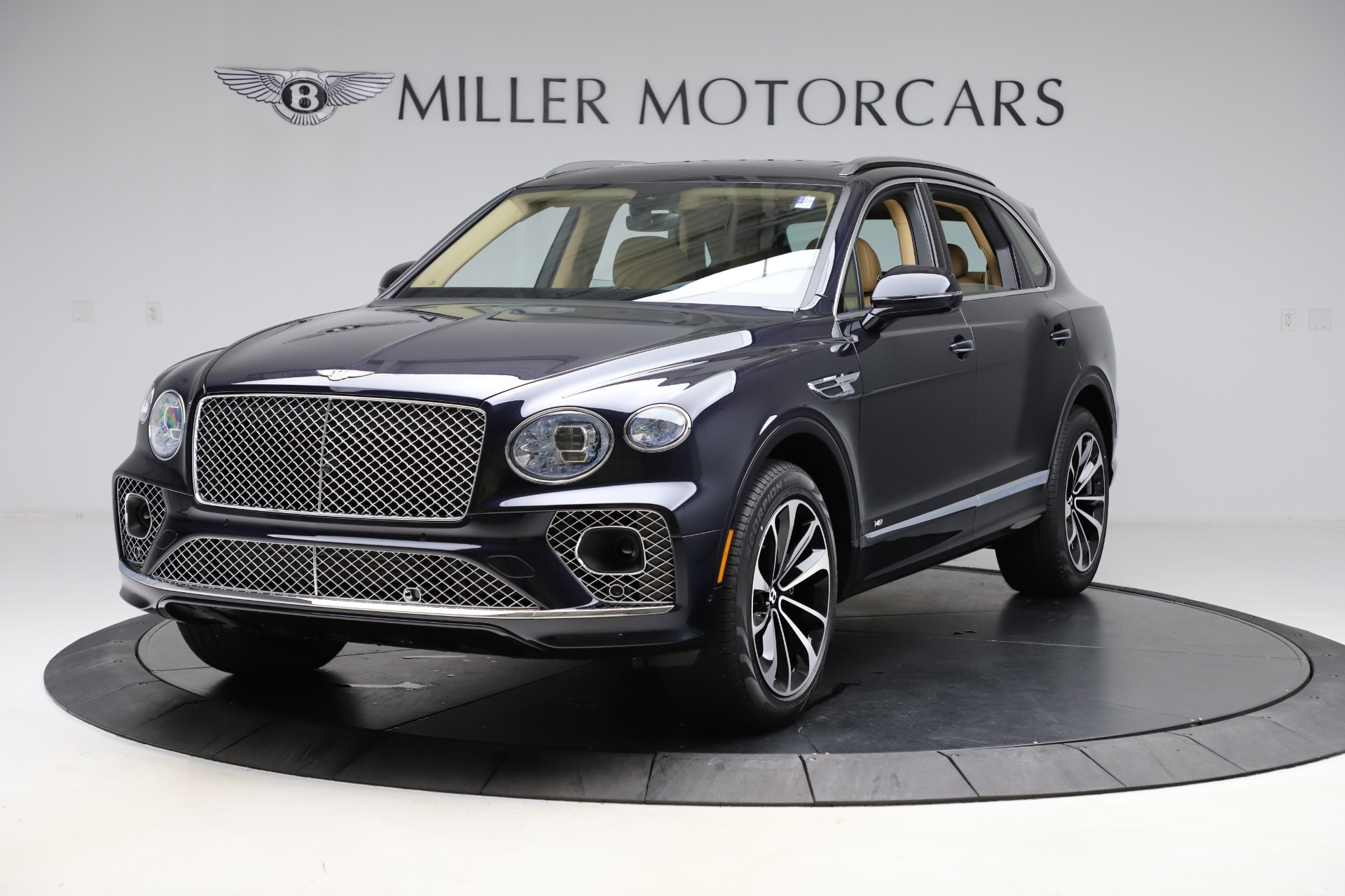 New 2021 Bentley Bentayga V8 for sale $209,755 at Rolls-Royce Motor Cars Greenwich in Greenwich CT 06830 1