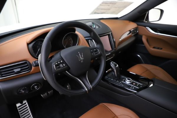 New 2020 Maserati Levante Q4 GranSport for sale $84,285 at Rolls-Royce Motor Cars Greenwich in Greenwich CT 06830 13