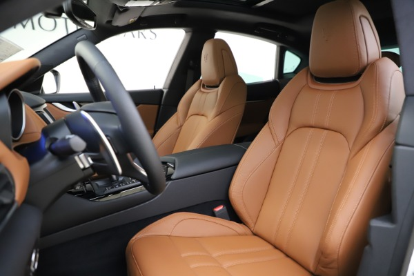 New 2020 Maserati Levante Q4 GranSport for sale $84,285 at Rolls-Royce Motor Cars Greenwich in Greenwich CT 06830 15