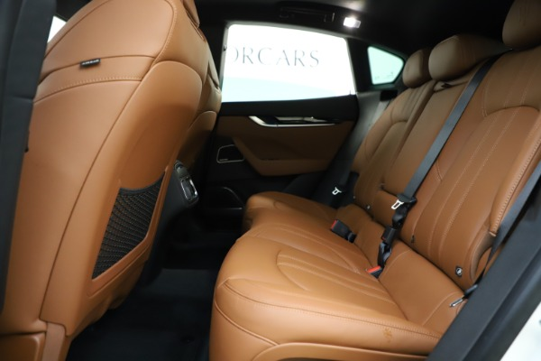 New 2020 Maserati Levante Q4 GranSport for sale $84,285 at Rolls-Royce Motor Cars Greenwich in Greenwich CT 06830 19