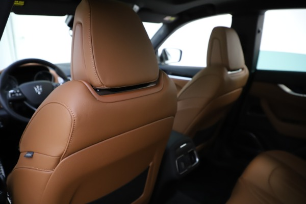 New 2020 Maserati Levante Q4 GranSport for sale $84,285 at Rolls-Royce Motor Cars Greenwich in Greenwich CT 06830 20