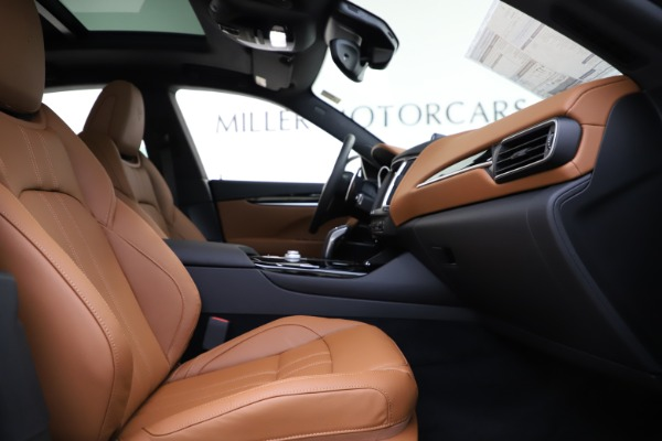 New 2020 Maserati Levante Q4 GranSport for sale $84,285 at Rolls-Royce Motor Cars Greenwich in Greenwich CT 06830 23