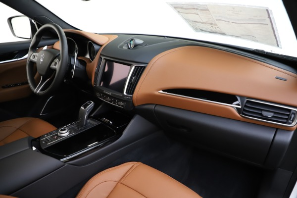 New 2020 Maserati Levante Q4 GranSport for sale $84,285 at Rolls-Royce Motor Cars Greenwich in Greenwich CT 06830 24