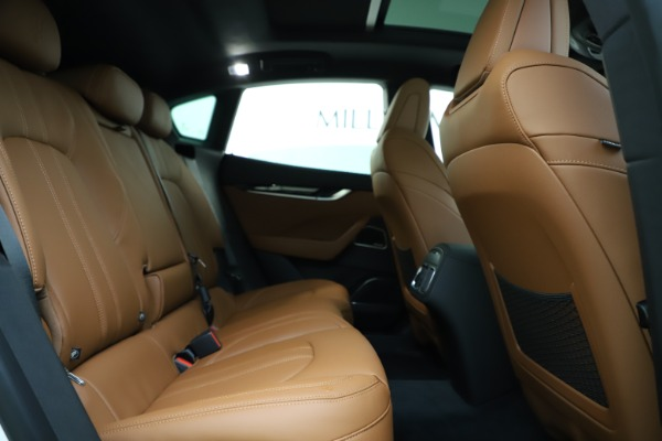 New 2020 Maserati Levante Q4 GranSport for sale $84,285 at Rolls-Royce Motor Cars Greenwich in Greenwich CT 06830 27