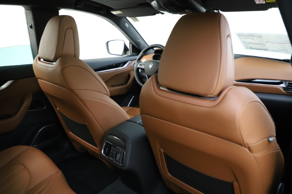 New 2020 Maserati Levante Q4 GranSport for sale $84,285 at Rolls-Royce Motor Cars Greenwich in Greenwich CT 06830 28