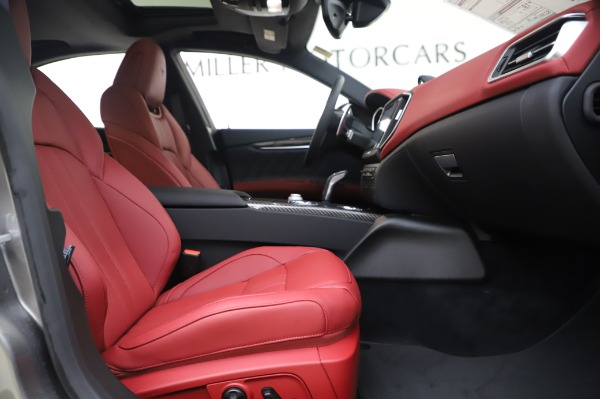 New 2020 Maserati Ghibli S Q4 GranSport for sale Sold at Rolls-Royce Motor Cars Greenwich in Greenwich CT 06830 23