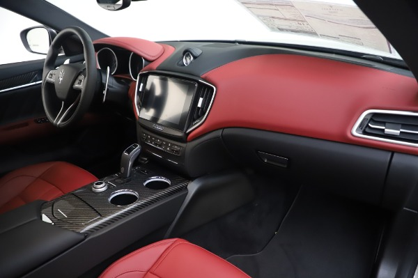 New 2020 Maserati Ghibli S Q4 GranSport for sale Sold at Rolls-Royce Motor Cars Greenwich in Greenwich CT 06830 24