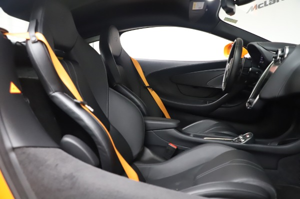 Used 2017 McLaren 570S Coupe for sale $149,900 at Rolls-Royce Motor Cars Greenwich in Greenwich CT 06830 21