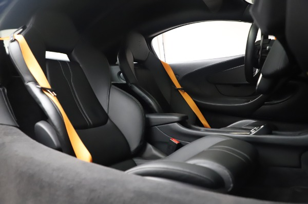 Used 2017 McLaren 570S Coupe for sale $149,900 at Rolls-Royce Motor Cars Greenwich in Greenwich CT 06830 22
