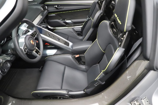 Used 2015 Porsche 918 Spyder for sale $1,355,900 at Rolls-Royce Motor Cars Greenwich in Greenwich CT 06830 23