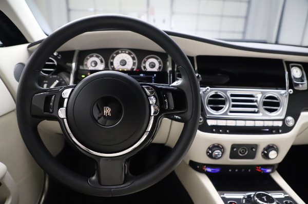 Used 2015 Rolls-Royce Wraith Base for sale $168,900 at Rolls-Royce Motor Cars Greenwich in Greenwich CT 06830 18