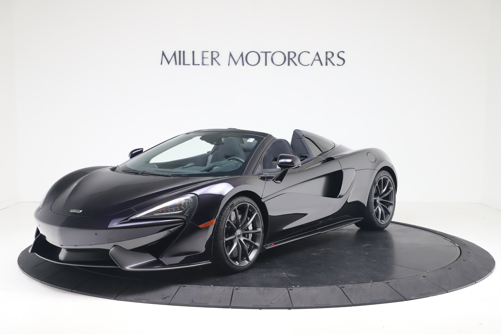 Used 2019 McLaren 570S Spider Convertible for sale $189,900 at Rolls-Royce Motor Cars Greenwich in Greenwich CT 06830 1
