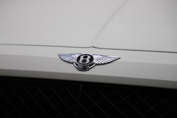 Used 2018 Bentley Bentayga Black Edition for sale $149,900 at Rolls-Royce Motor Cars Greenwich in Greenwich CT 06830 14