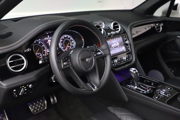 Used 2018 Bentley Bentayga Black Edition for sale $149,900 at Rolls-Royce Motor Cars Greenwich in Greenwich CT 06830 23