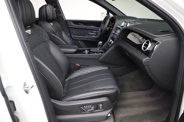 Used 2018 Bentley Bentayga Black Edition for sale $149,900 at Rolls-Royce Motor Cars Greenwich in Greenwich CT 06830 28