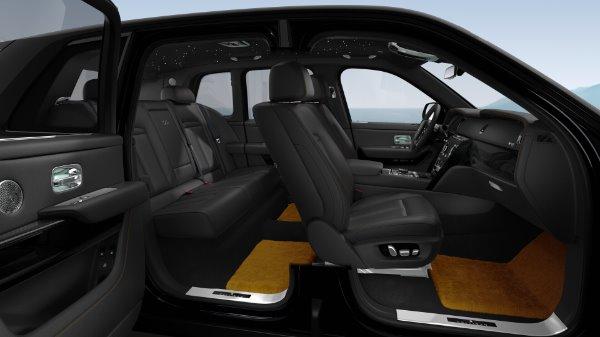 New 2021 Rolls-Royce Cullinan Black Badge for sale $439,700 at Rolls-Royce Motor Cars Greenwich in Greenwich CT 06830 10