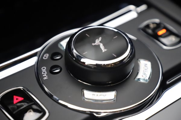 Used 2017 Rolls-Royce Wraith Black Badge for sale $269,900 at Rolls-Royce Motor Cars Greenwich in Greenwich CT 06830 19