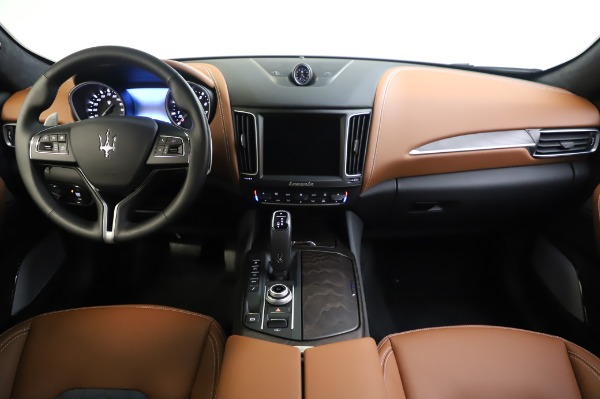 New 2020 Maserati Levante Q4 GranLusso for sale $88,635 at Rolls-Royce Motor Cars Greenwich in Greenwich CT 06830 16