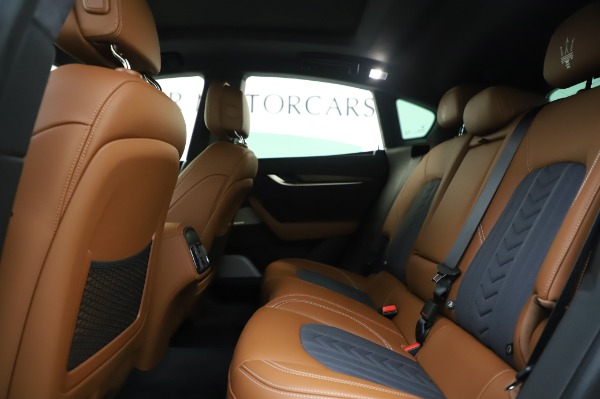 New 2020 Maserati Levante Q4 GranLusso for sale $88,635 at Rolls-Royce Motor Cars Greenwich in Greenwich CT 06830 19