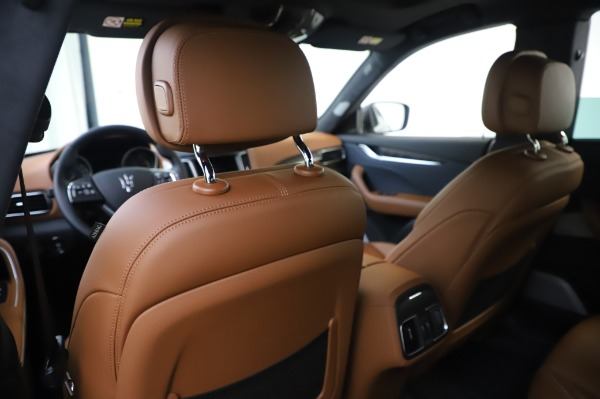 New 2020 Maserati Levante Q4 GranLusso for sale $88,635 at Rolls-Royce Motor Cars Greenwich in Greenwich CT 06830 20