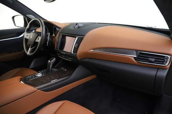 New 2020 Maserati Levante Q4 GranLusso for sale $88,635 at Rolls-Royce Motor Cars Greenwich in Greenwich CT 06830 24