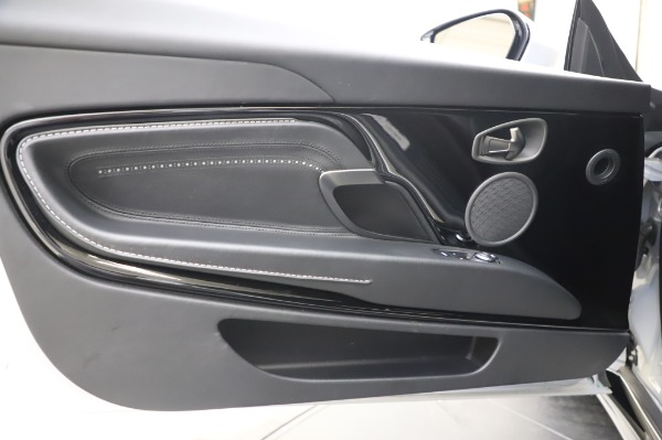 Used 2018 Aston Martin DB11 V8 Coupe for sale $147,900 at Rolls-Royce Motor Cars Greenwich in Greenwich CT 06830 17