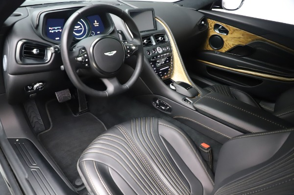 Used 2017 Aston Martin DB11 V12 Coupe for sale $149,900 at Rolls-Royce Motor Cars Greenwich in Greenwich CT 06830 13