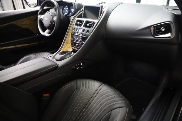 Used 2017 Aston Martin DB11 V12 for sale $149,900 at Rolls-Royce Motor Cars Greenwich in Greenwich CT 06830 21