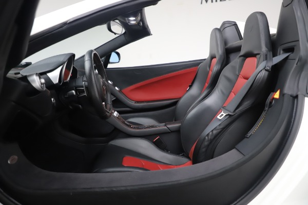Used 2016 McLaren 650S Spider for sale $152,900 at Rolls-Royce Motor Cars Greenwich in Greenwich CT 06830 24