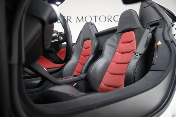 Used 2016 McLaren 650S Spider for sale $152,900 at Rolls-Royce Motor Cars Greenwich in Greenwich CT 06830 25
