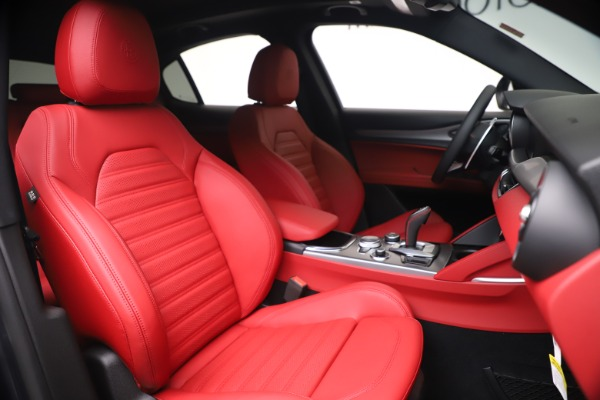 New 2020 Alfa Romeo Stelvio Ti Sport Q4 for sale Sold at Rolls-Royce Motor Cars Greenwich in Greenwich CT 06830 22
