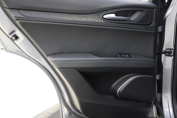 New 2020 Alfa Romeo Stelvio for sale $50,145 at Rolls-Royce Motor Cars Greenwich in Greenwich CT 06830 21